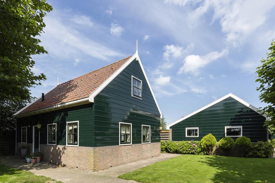 Houtrotherstel en gehele buitenschilderwerk stolpboerderij Wijdewormer