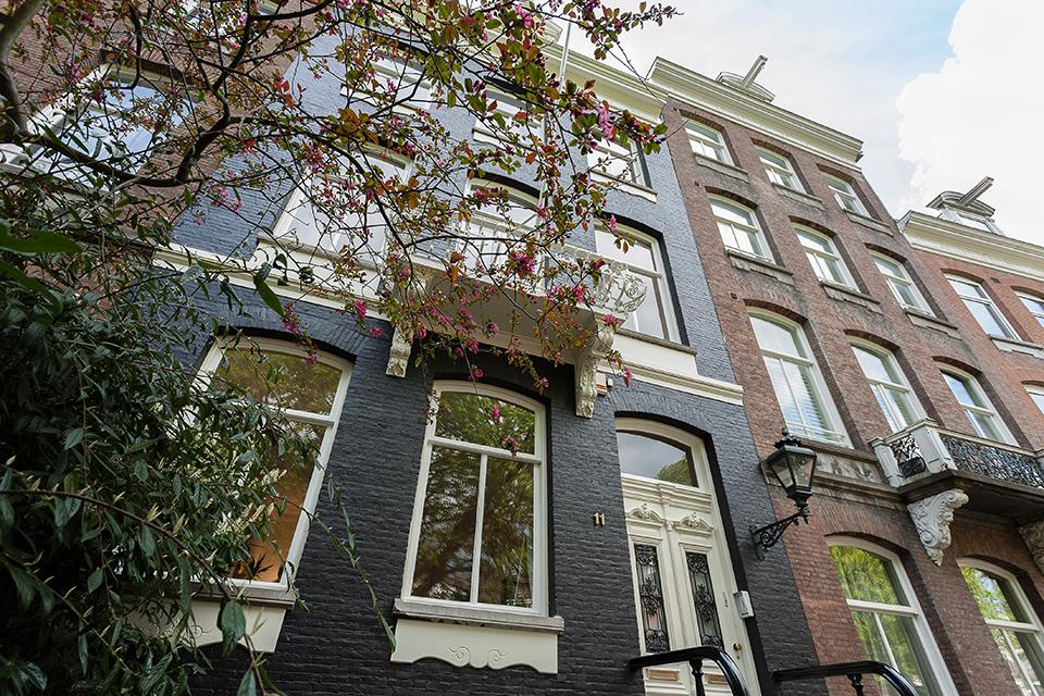 Gehele buitenschilderwerk karakteristieke woning (Tesselseschadestraat, Amsterdam)