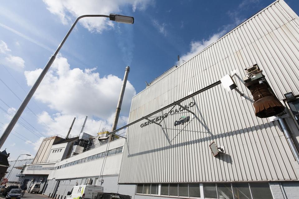 Divers buitenschilderwerk gevels gebouw De Jonker (Cargill, Zaandam)