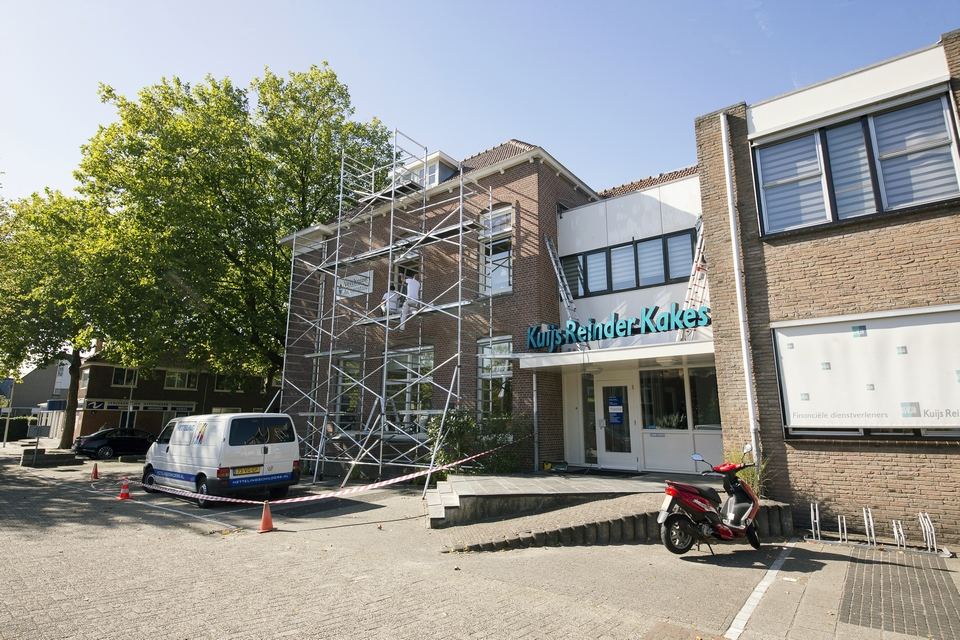 Buitenschilderwerk kantoorgebouw Kuijs Reinder Kakes (Westzijde, Zaandam)