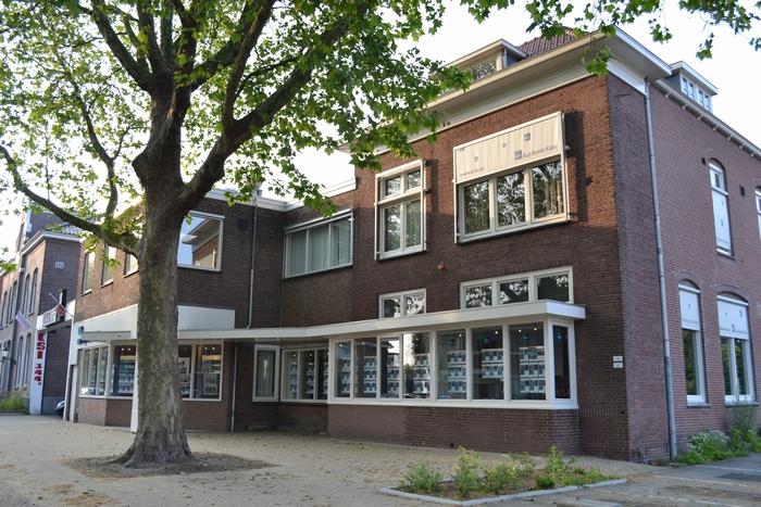 Binnen- en buitenschilderwerk kantoor Kuijs Reinder Kakes Westzijde Zaandam