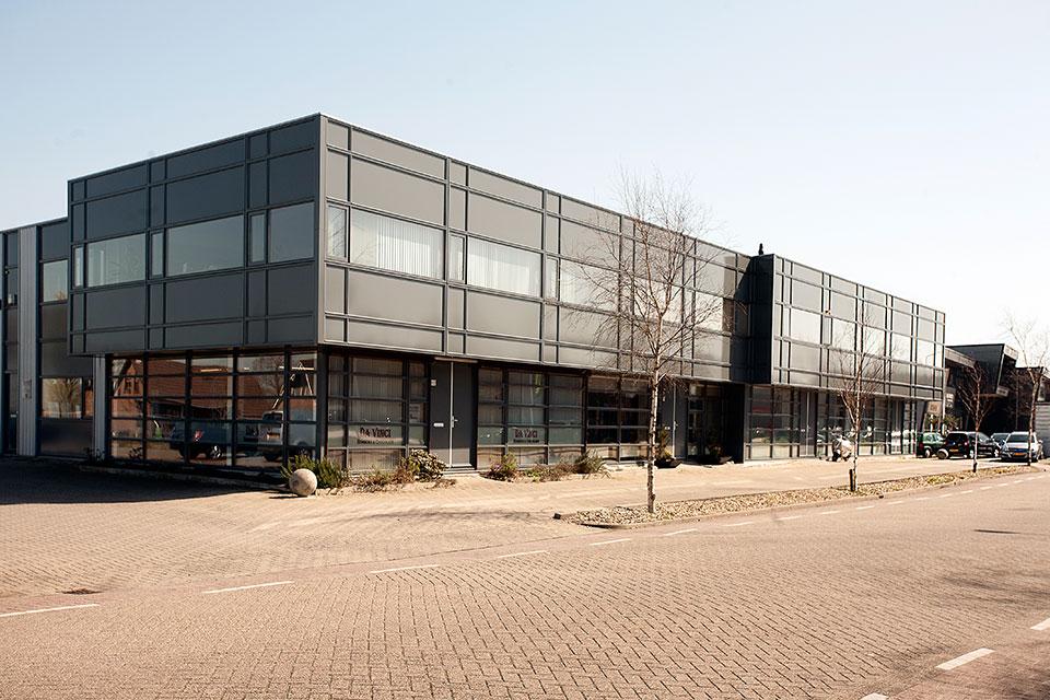 Buitenschilderwerk bedrijfsverzamelgebouw VVE Samsonweg, Wormerveer