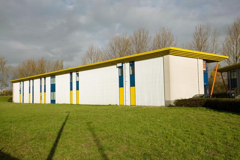 Buitenschilderwerk bedrijfsverzamelgebouw (Ronde Tocht, Zaandam)